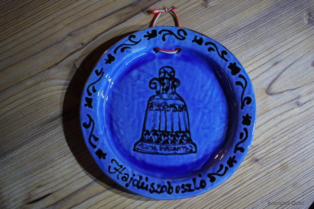 Hajdúszoboszlói fali tányér kicsi kék