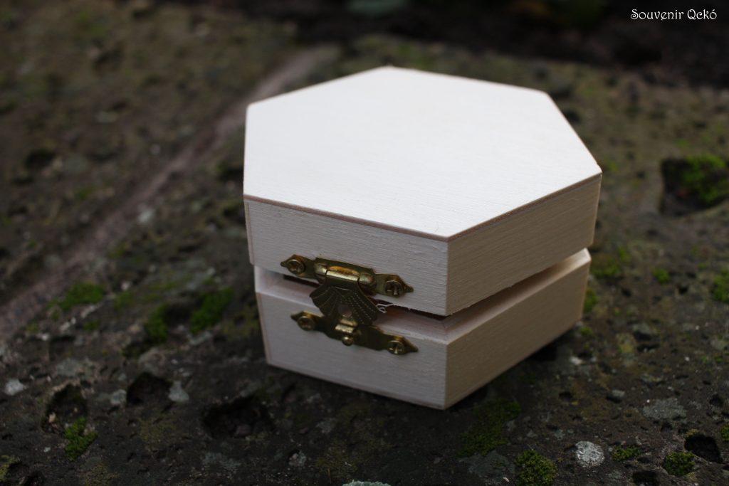 Hat szögletű fa doboz 9x9 cm