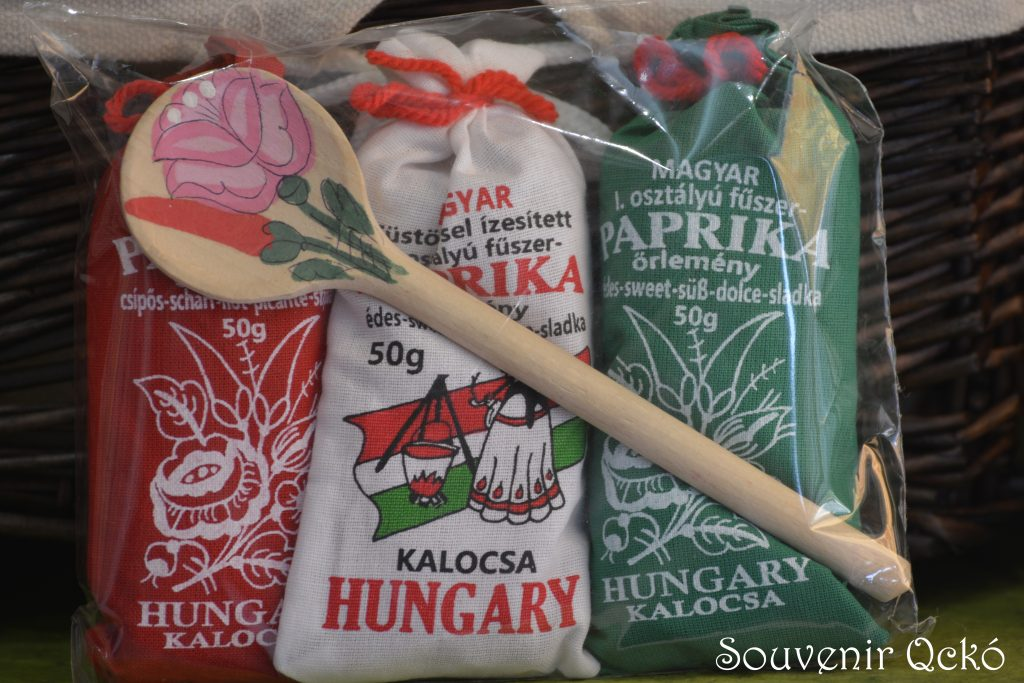 Magyar fűszer paprika Kalocsa fakanállal